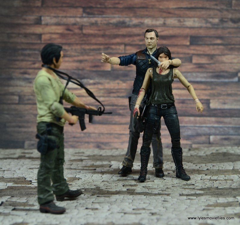 The Walking Dead The Governor TV Series figure review -holding off Glenn and Maggie
