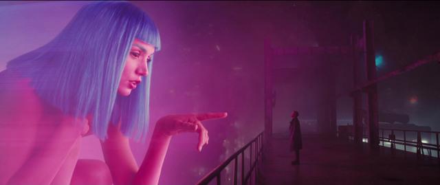 Blade Runner 2049 movie review - hologram encounter