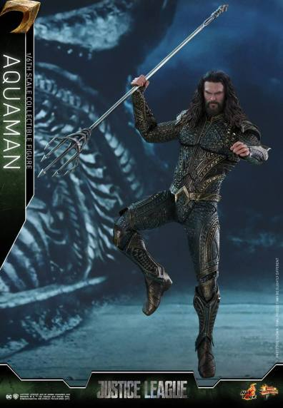 Hot Toys Aquaman figure -launching trident