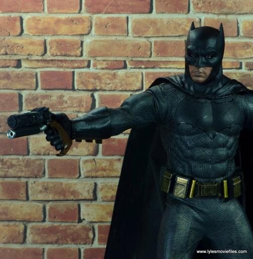 Hot Toys Batman v Superman Batman figure review -aiming grapple gun