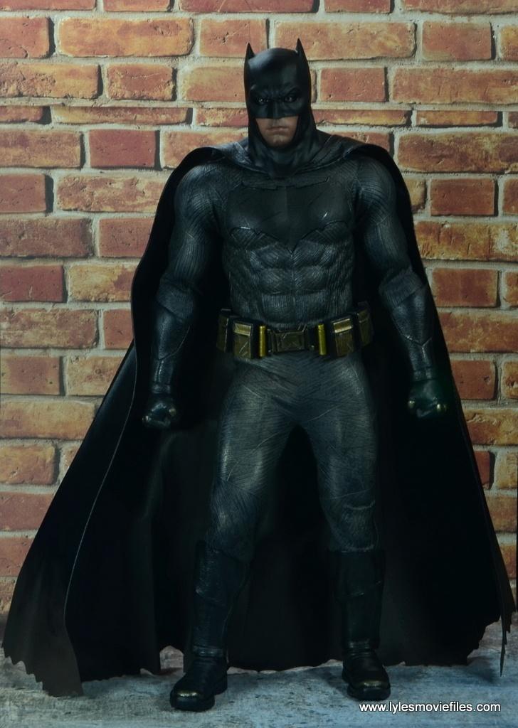 Hot Toys Batman v Superman Batman figure review -cape out