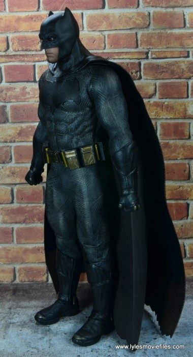 Hot Toys Batman v Superman Batman figure review -left side