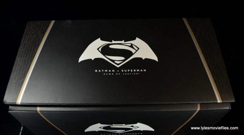 Hot Toys Batman v Superman Batman figure review -package top