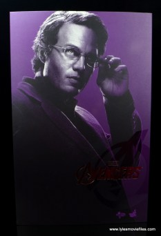 Hot Toys Bruce Banner figure review -front package