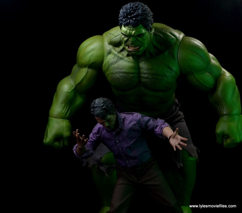 Hot Toys Bruce Banner figure review -with Hot Toys Hulk