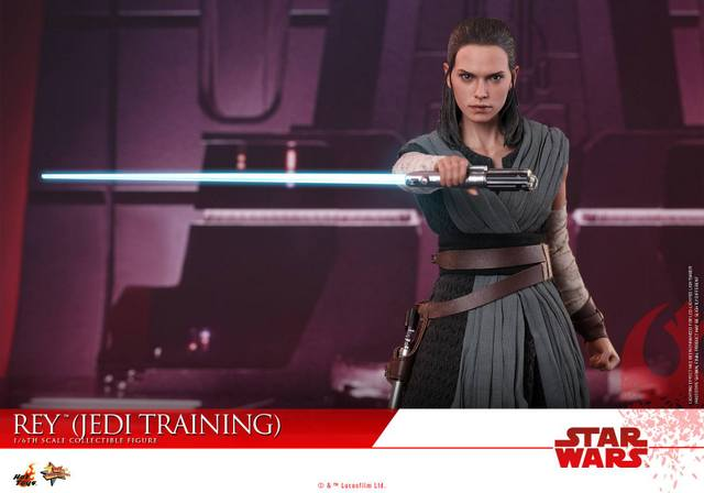 Hot Toys The Last Jedi Rey Jedi Training figure -main pic