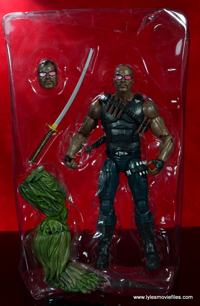 Marvel Legends Blade figure review -accessories in tray