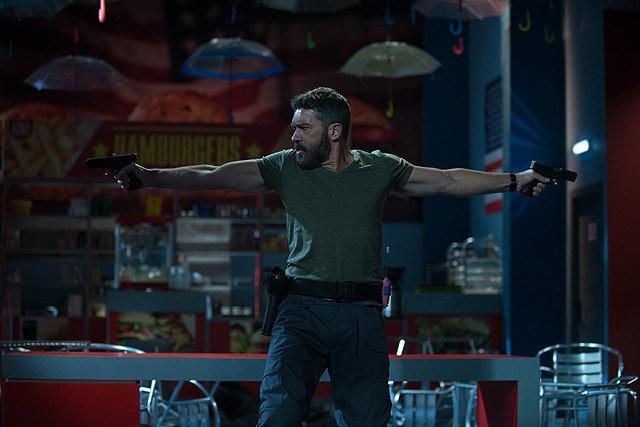 Security-movie review- Antonio Banderas as Eddie