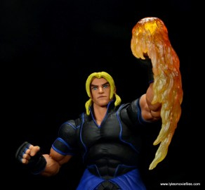 Storm Collectibles Street Fighter V Ken figure review -flaming Dragon Punch accessory