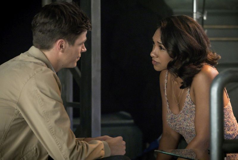 The Flash Mixed Signals review - Barry and Iris