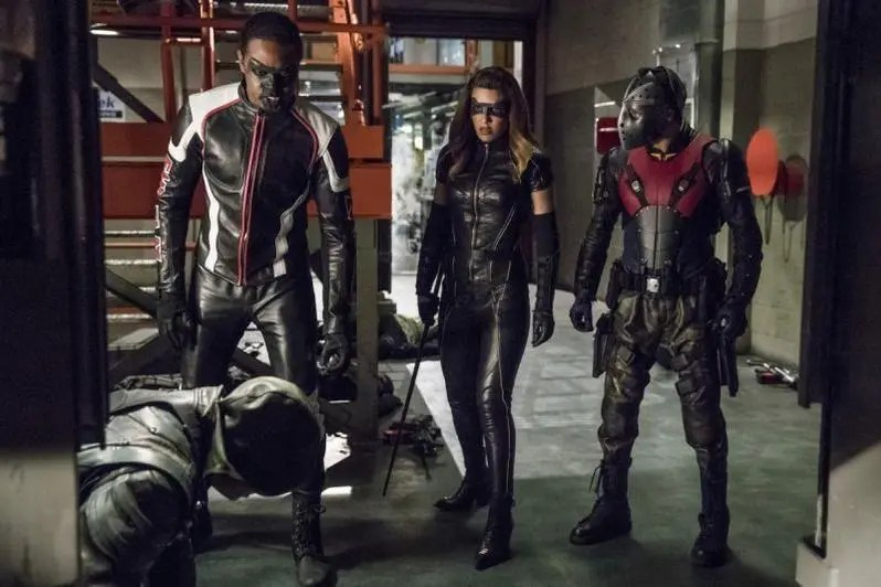 Arrow Thanksgiving review -Arrow, Mr Terrific, Wild Dog and Black Canary