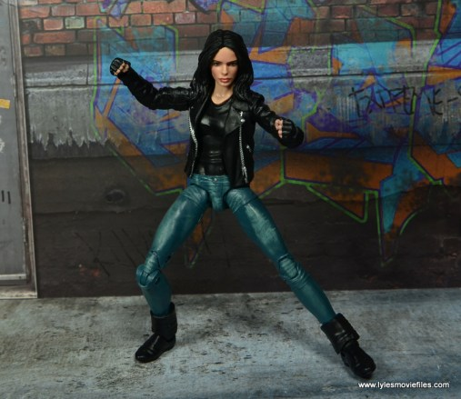 Marvel Legends Jessica Jones figure review - battle ready
