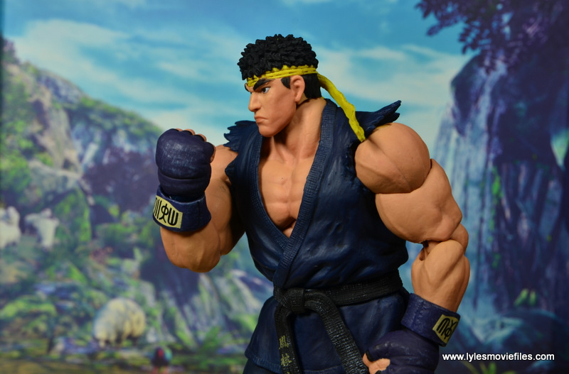 Storm Collectibles Street Fighter V Ryu figure review - fist up