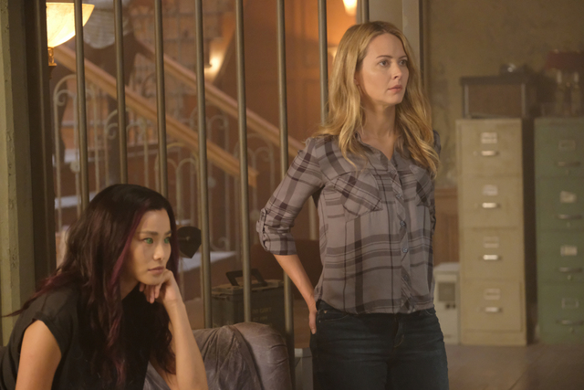 The Gifted eXit strategy review - Jamie Chung and Amy Acker