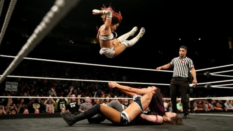 WWE NXT TakeOver War Games - Kairi Sane hits the Insane Elbow