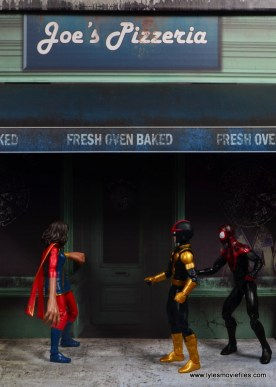 Extreme-Sets Building 2 Pop-Up review front Ms. Marvel, Kid Nova and Spider-Man at front door