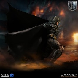 Mezco One12 Collective Justice League Movie Tactical Suit Batman figure landing