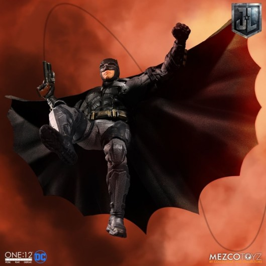 Mezco One12 Collective Justice League Movie Tactical Suit Batman figure rappelling