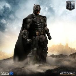 Mezco One12 Collective Justice League Movie Tactical Suit Batman figure side
