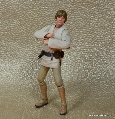 SH Figuarts Luke Skywalker figure review -arms crossed