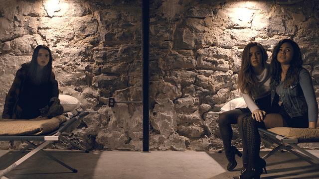 Split movie review -Anya Taylor-Joy, Haley Lu Richardson, Jessica Sula