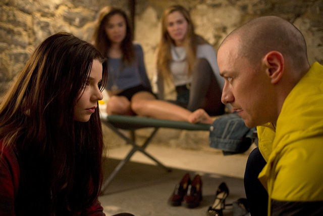 Split movie review -Anya Taylor-Joy, Jessica Sula, Haley Lu Richardson and James McAvoy