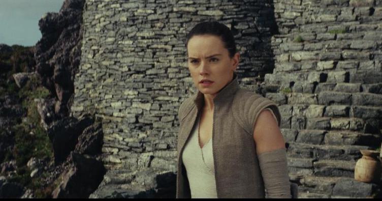 Star Wars The Last Jedi review -Rey at Luke's base