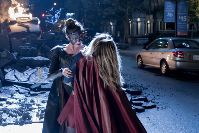 Supergirl Reign review - Reign vs Supergirl