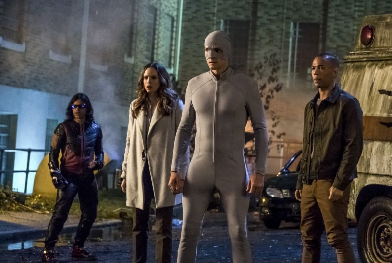 The Flash Don't Run review - Cisco, Ralph, Caitlin and Dominic