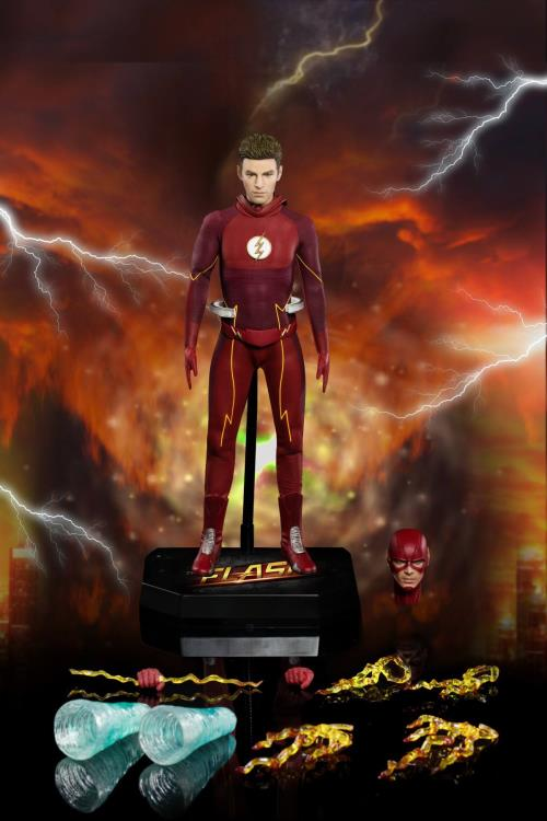 The Flash Real Master Series figure - accessories