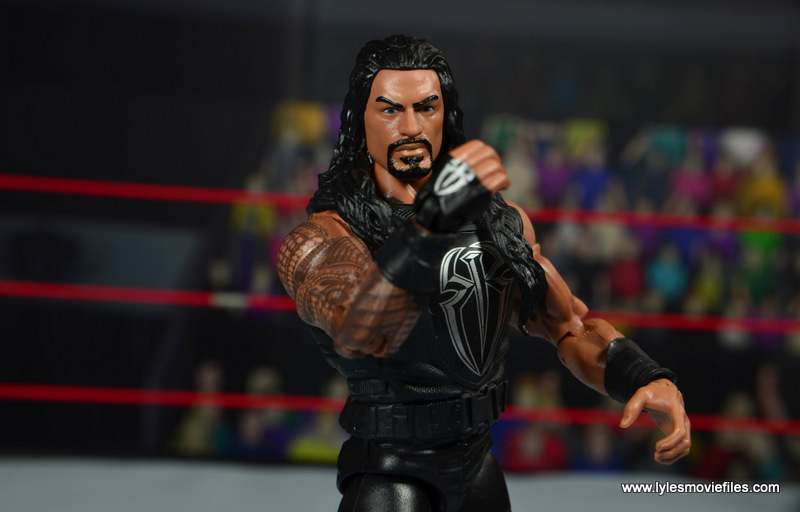 WWE Elite 45 Roman Reigns figure review - loading the punch up