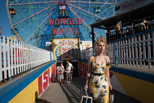 Wonder-Wheel-review-Juno-Temple
