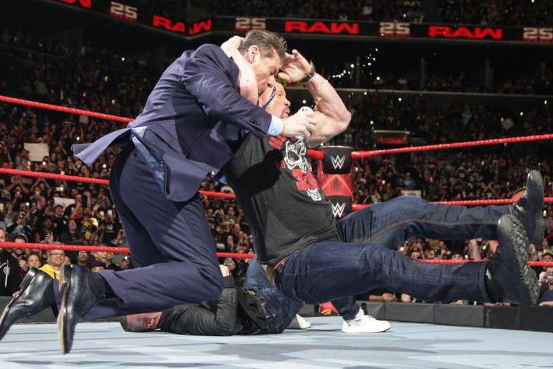 RAW 25 Austin stuns Vince