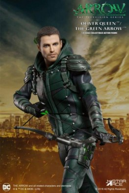 Real-Master-Series-Arrow-figure unmasked with arrow