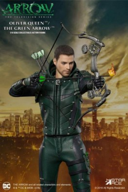 Real-Master-Series-Arrow-figure with flaming arrow