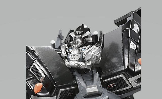 TRA_MP_Ironhide_07 (Articulated Neck)