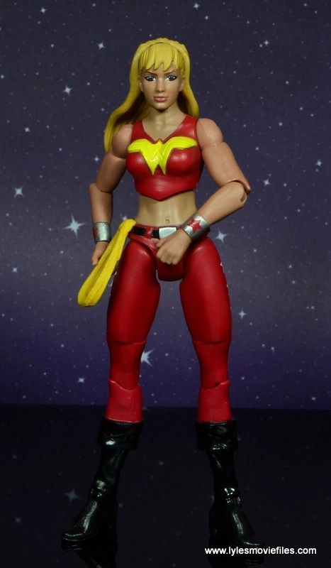 dc multiverse wonder girl figure review - reaching for lasso