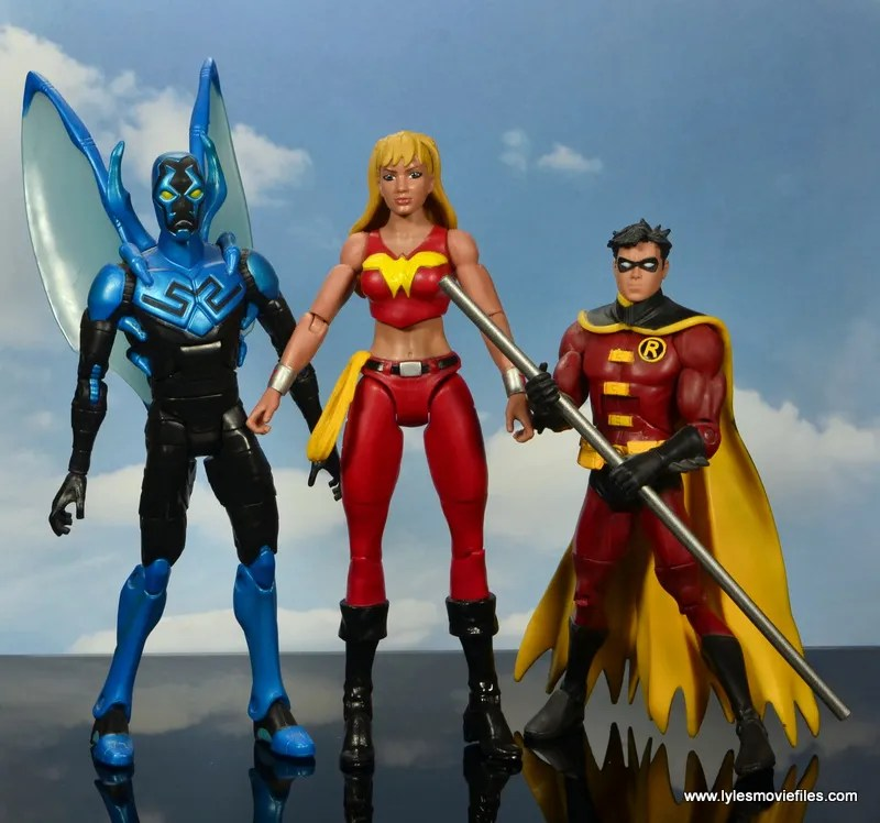 dc multiverse wonder girl figure review - scale with blue beetle and tim drake robin