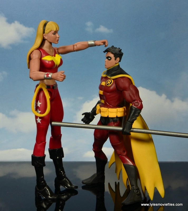 dc multiverse wonder girl figure review - scale with tim drake robin