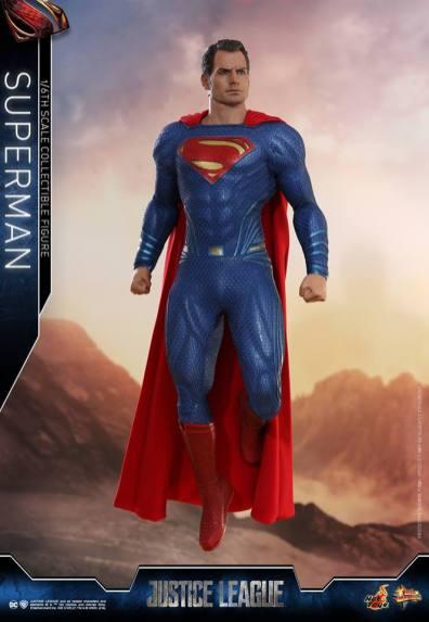 hot toys justice league superman figure review -landing