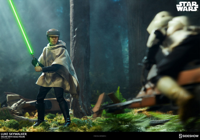 star-wars-luke-skywalker-sixth-scale-figure-sideshow-facing off with speeder scout