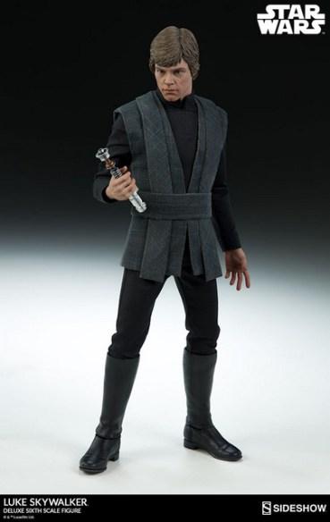 star-wars-luke-skywalker-sixth-scale-figure-sideshow-unlit lightsaber