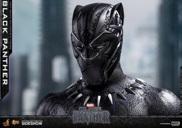 hot toys black panther figure -closeup