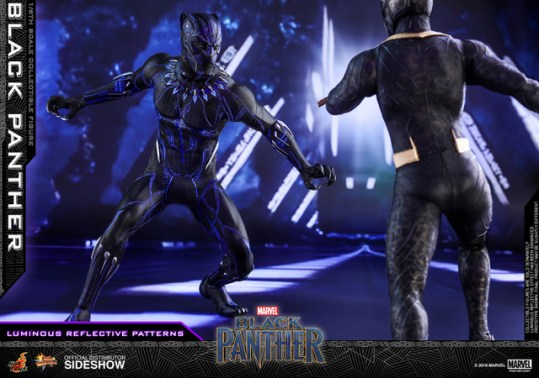 hot toys black panther figure - facing killmonger