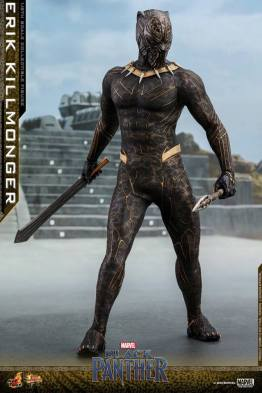 hot toys erik killmonger figure -standing with weapons