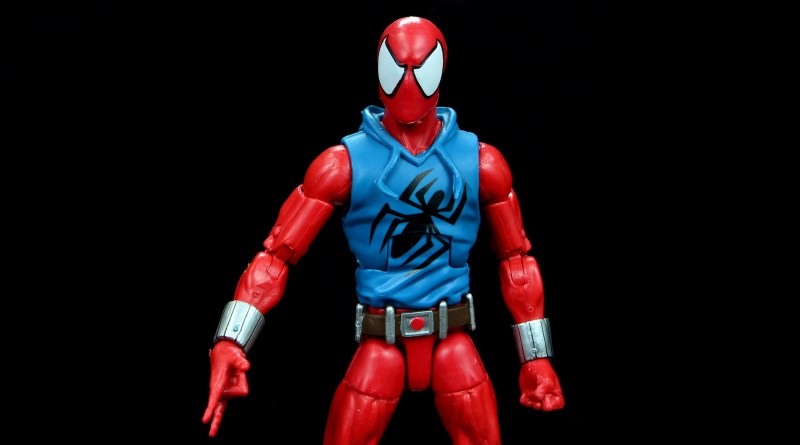 marvel legends scarlet spider-man figure review - main pic