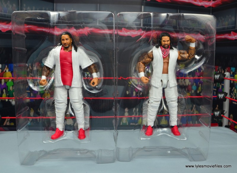 wwe elite 54 the usos jimmy and jey usos figure review - accessories in tray