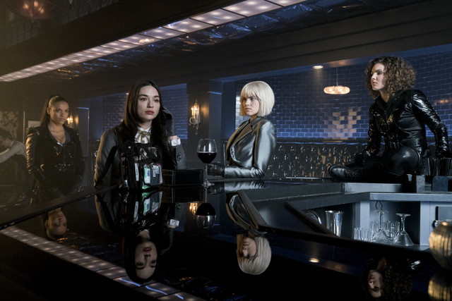 gotham queen takes knight review -tabitha, sofia, barbara and selina
