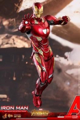 hot toys avengers infinity war iron man figure -repulsor hands