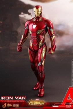hot toys avengers infinity war iron man figure -straight